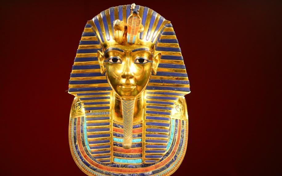 An essential exhibition; Tutankhamun, the Treasure of the Pharaoh